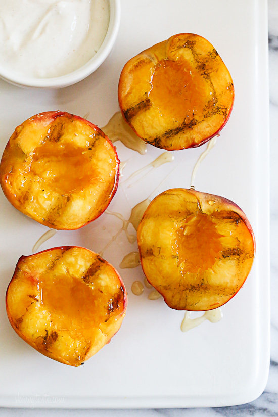 Grilled Peaches With Honey and Yogurt –an easy summer dessert for under 100 calories!