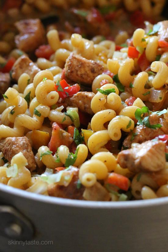 One-Pot Chicken Fajita Pasta – an easy Mexican inspired pasta dish!