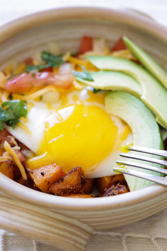 Breakfast Burrito Bowl with Spiced Butternut Squash – a healthy Mexican-inspired breakfast bowl!